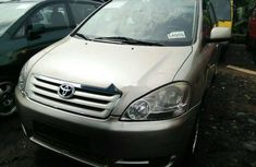 Foreign Used Toyota Avensis 2000 Model Silver