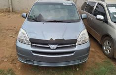 Foreign Used Toyota Sienna 2005 Model Blue