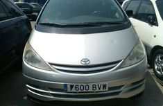 Foreign Used Toyota Previa 2005 Model Silver
