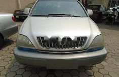Nigeria Used Lexus RX 2000 Model Silver