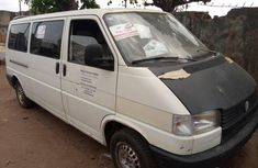 Tokunbo Volkswagen Transporter 2002 Model White