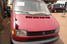Foreign Used Volkswagen Commercial 2000 Model