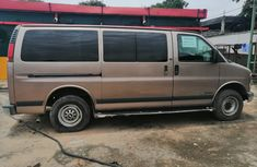 Well Maintained Foreign Used Chevrolet Express Bus 2003 Model