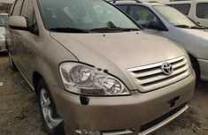 Foreign Used Toyota Avensis 2004 Model Silver