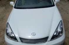 Foreign Used 2006 White Lexus ES for sale in Lagos.