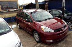 Foreign Used 2005 Maroon Toyota Sienna for sale in Lagos.