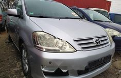 Foreign Used 2007 Silver Toyota Avensis for sale in Lagos.