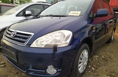 Foreign Used 2004 Toyota Avensis for sale in Lagos.