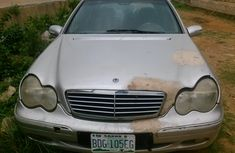 Naija Used Mercedes Benz C240 2004 Model for sale