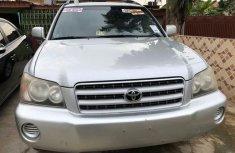 Clean and Sound Tokunbo Toyota Highlander 2002 Model