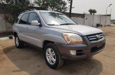 Foreign Used 2006 Silver Kia Sorento for sale in Lagos.