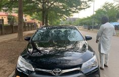 Sparkling black 2015 Toyota Camry SE Foreign used