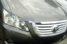 Foreign Used 2006 Grey Toyota Avalon for sale in Lagos.
