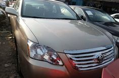 Foreign Used Toyota Avalon 2006 Model Silver