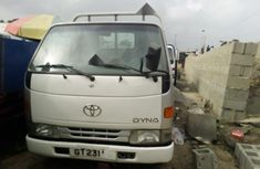 Very Clean Toyota Dyna 2000 Model for sale