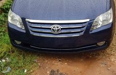 Foreign Used 2006 Toyota Avalon for sale in Lagos.