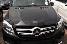Well Maintained Tokunbo Mercedes-Benz 350 2016 Model
