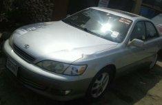 Very Clean Lexus ES 2000 Model