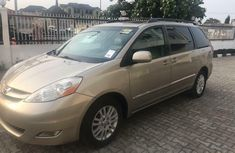 Foreign Used Toyota Sienna 2007 Model Gold