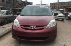 Foreign Used Toyota Sienna  2010 Model