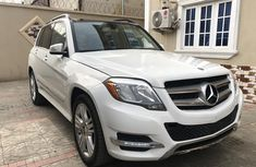 Foreign Used 2014 White Mercedes-Benz GLK for sale in Lagos.