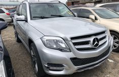 Foreign Used 2014 Silver Mercedes-Benz GLK for sale in Lagos.
