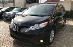 Foreign Used 2010 Toyota Sienna for sale