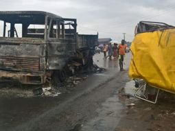 A pregnant woman and 8 others killed in bus crash in Benin