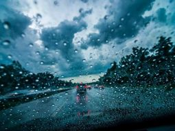 Useful tips to drive safely in poor weather conditions