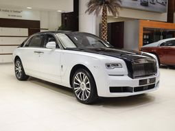 """Behold Rolls-Royce Ghost EWB """"Inspired by Private Jet"""" 2018 at Abu Dhabi dealership"""