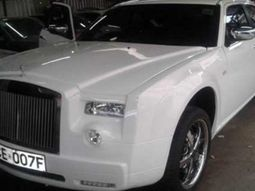A Mercedes- Benz transformed into a Rolls Royce Phantom