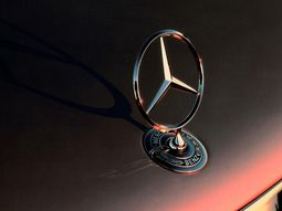 25 mind-blowing facts about Mercedes-Benz you may not know (Part 1)