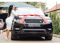 Woman gets outraged by being gifted a Range Rover instead of a Nissan