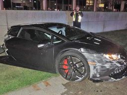 Devastating accident that rips N130m Lamborghini Huracan into halves