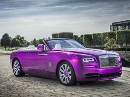 What do the super rich do for fun? Painting their Roll Royce purple!