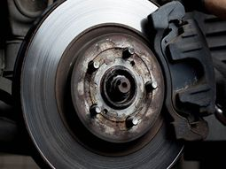 Effective ways to maintain your car brakes