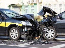 What cause car head-on collision & how to avoid