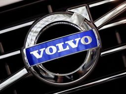 Volvo recalls over 200,000 cars worldwide due to fuel leaks