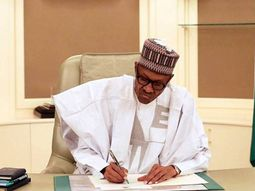 President Buhari signs order to construct roads of 794km in 11 states