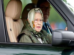 [Photos] 93-year-old Queen Elizabeth & times she is spotted behind the wheels