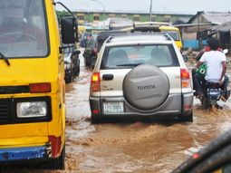 Reasons why Lagos traffic is chaotic when it rains