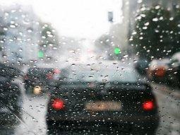 4 ways to avoid a car slipping in rainy seasons