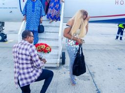 Man proposes to his lady at MM Lagos airport: Guess how she reacts!