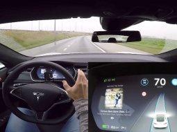 Tesla Autopilot can change lanes automatically