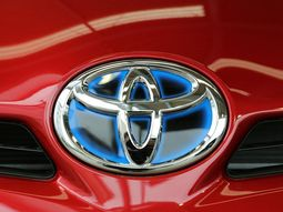 Toyota sets out to share its hybrid-vehicle technology of over 24,000 patents for public use