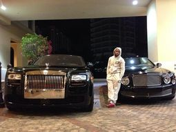 Floyd Mayweather's ₦162m Rolls-Royce Phantom crashes into another car