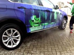 This heat-sensitive BMW X6 Hulk is all sorts of crazy!