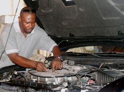 Learn how your car engine work to better take care of it!