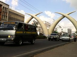 Kenya Parliament suspends the ban on importing used cars