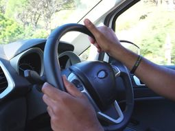 These defensive driving tips help you stay safe in Nigeria